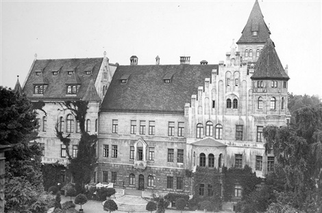 1903_the-new-castle